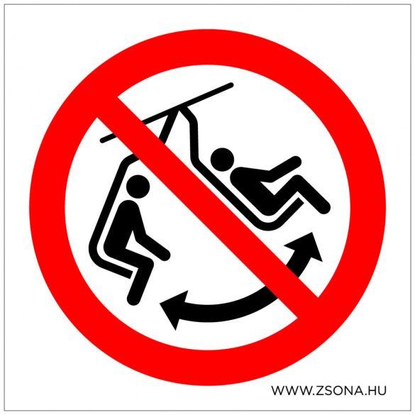 A székben hintázni tilos!
